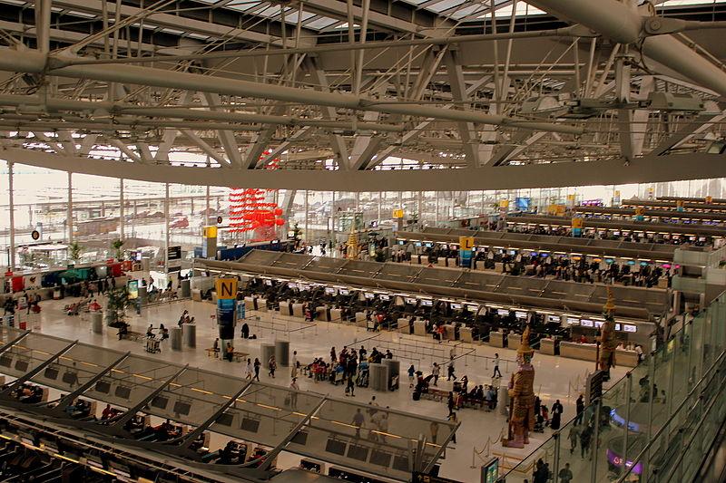File:CHECK IN HALL AT SUVARNHUMBI AIRPORT BANGKOK THAILAND FEB 2013 (8530033053).jpg