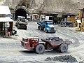 Camiones cargados de mineral saliendo de la mina - panoramio.jpg