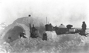 Camp on ice near Cape Wrottesley (51106).jpg
