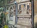 Cappella tocco, zoccolo con affreschi di pietro cavallini 04.JPG
