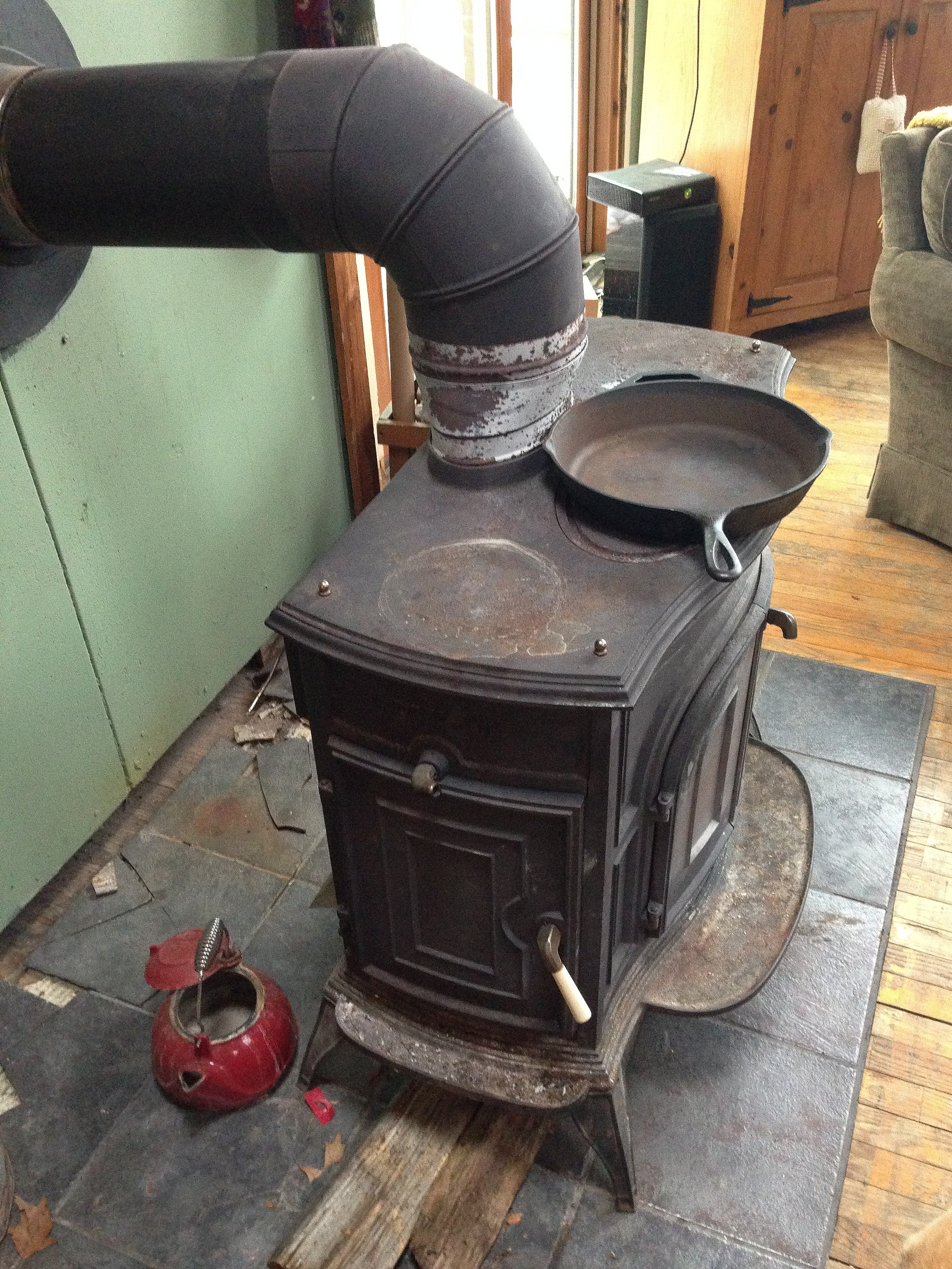 File:Cast Iron Wood Stove.JPG - Wikimedia Commons