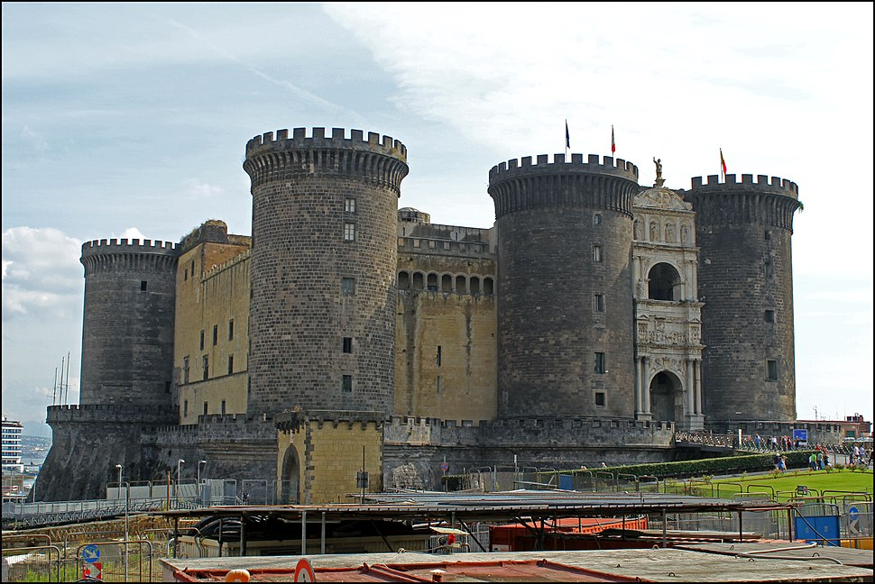 Castel Nuovo (29) (15584302832)