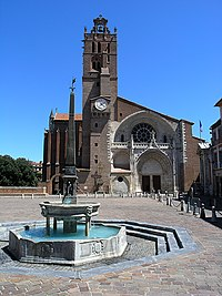 Vista frontal de la catedral