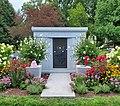 Celia Cruz mausoleum.jpg