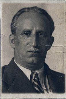 Cemach Feldstein portrait on October 1935.jpg