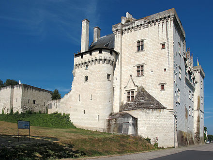 The end of the Hundred Years' War marked the beginning of the French Renaissance in France, Château de Montsoreau (1453). Château de Montsoreau(Maine-et-Loire).jpg