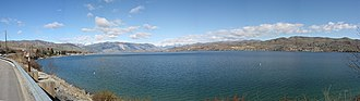 Lake Chelan - Image: Chelan pano 03 30 05 600px