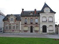 Chevrainvilliers Mairie-école.jpg