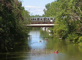 Brown Line (CTA) - A Brown Line train crosses the north branch of the Chicago River