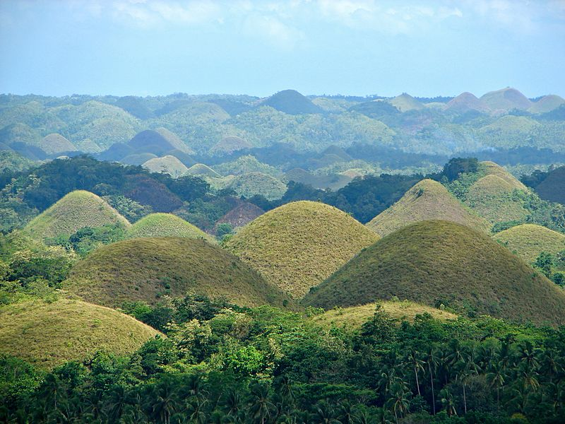 File:Chocolate Hills overview.JPG
