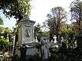 Cimitirul Bellu - Inger innaripat.jpg