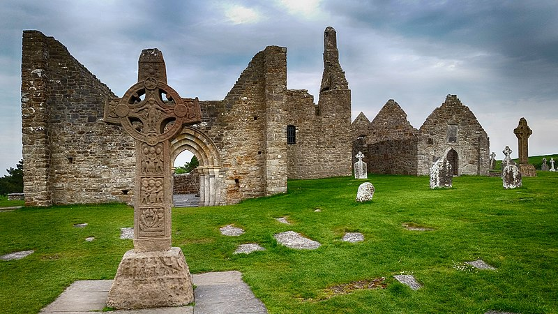 File:Clonmacnoise, Co. Offaly, Ireland - panoramio.jpg