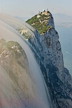 Levant (wind) - Levant cloud forming against the eastern cliffs of the Rock of Gibraltar.