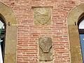 Colle, piazza duomo 02 palazzo in laterizi, stemma 06 giglio di firenze.JPG