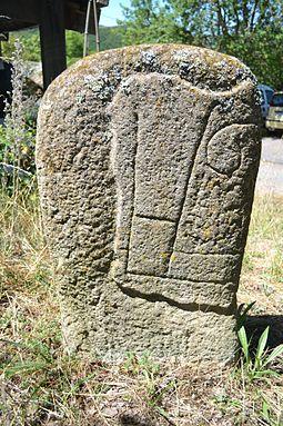 Six cercles de pierres en Europe pour un solstice d'hiver 255px-Combret_lucante_04