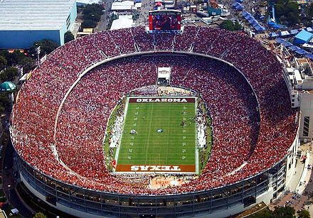 Red River Rivalry in 2010 Cotton Bowl.JPG
