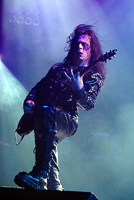 Paul Allender met Cradle of Filth in 2005