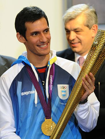 Sebastián Crismanich de Argentina, medalla de oro en Taekwondo, Olimpíadas Londres 2012. Foto de Presidencia de la Nación Argentina en Wikimedia Commons. Creative Commons License 2.0 Generic