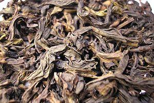 Da Hong Pao - Image: Da Hong Pao Oolong tea leaf close