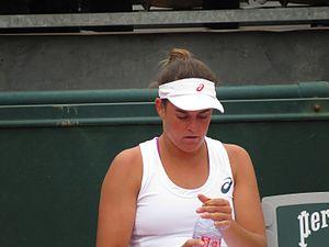 Jennifer Brady (tennis) - Image: Daniela Hantuchová vs Jennifer Brady 08