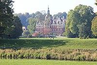 Das neue Schloss im Fürst- Pückler-Park. IMG 9305WI.jpg