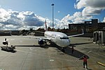 Delta N3757D Boeing 737-800 (15463449699).jpg
