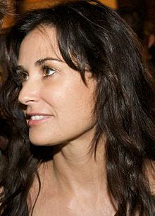 http://upload.wikimedia.org/wikipedia/commons/thumb/2/28/Demi_Moore_cropped.jpg/220px-Demi_Moore_cropped.jpg