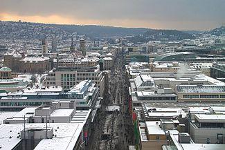 Die Königstraße im Winter vom Bahnhofsturm gesehen.jpg