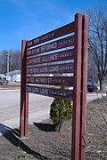 Directional Sign to Ocheyedan Landmarks - panoramio.jpg
