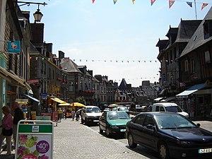 Dol-de-Bretagne - La Grande Rue