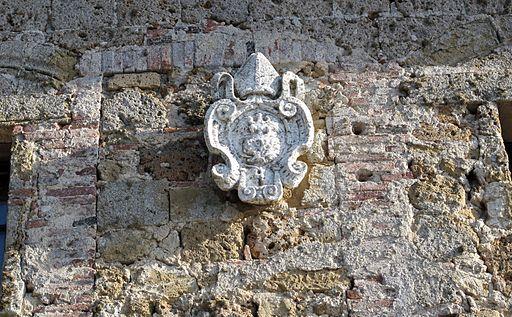 Duomo di sovana, ext., canonica. stemma 02