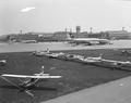 ETH-BIB-Diverse Kleinflugzeuge am Boden in Zürich-Kloten-LBS H1-027157.tif