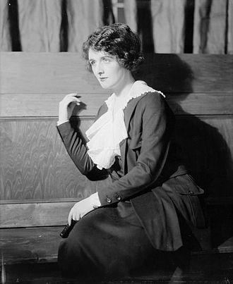 Elisabeth Risdon - Elisabeth Risdon in G. B. Shaw's Heartbreak House (1920)