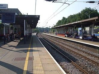 Elstree & Borehamwood railway station - Image: Elstree & Borehamwood stn slow tracks look south