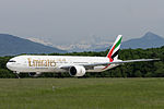 Emirates, Boeing 777-31H(ER), A6-ENU (18642774616).jpg