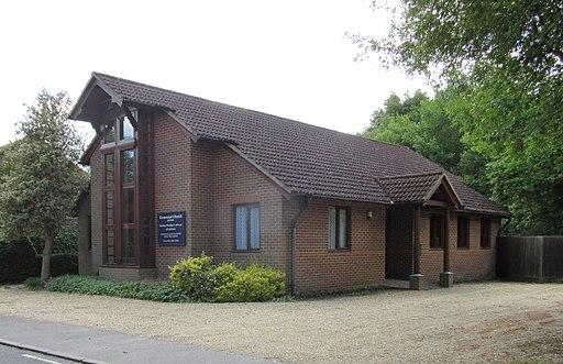 Emmanuel Church, Saunders Lane, Mayford, Woking (June 2015) (1)