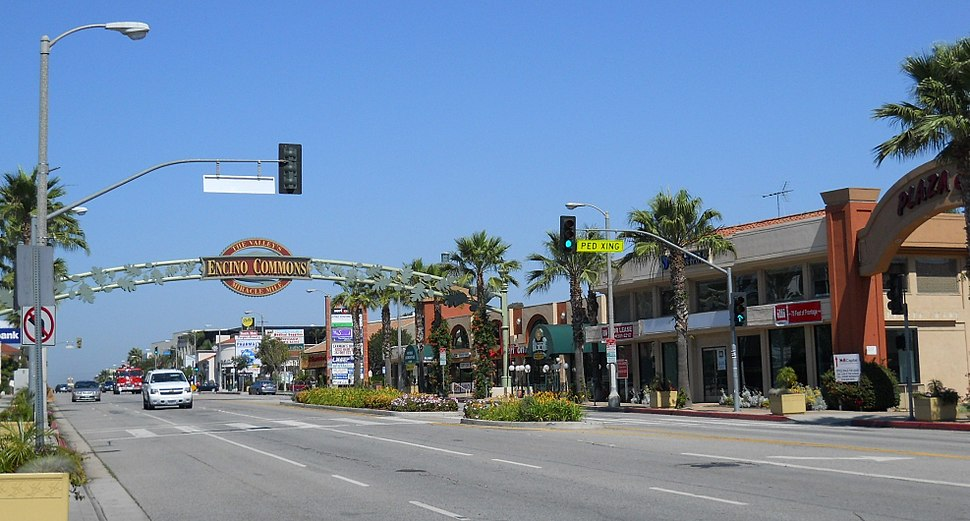 Encino Commons in Encino