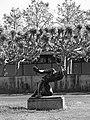 Ernst Suter (1904–1987) Bildhauer, Kampf mit dem Engel, 1947, Standort, Schulhof des Wirtschaftsgymnasiums Basel, Schweiz (7).jpg