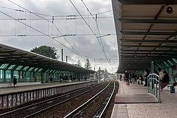 Estação Ferroviária de Carcavelos, plataformas. 02-20.jpg
