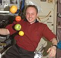 Expedition 9 receives fresh fruit.jpg