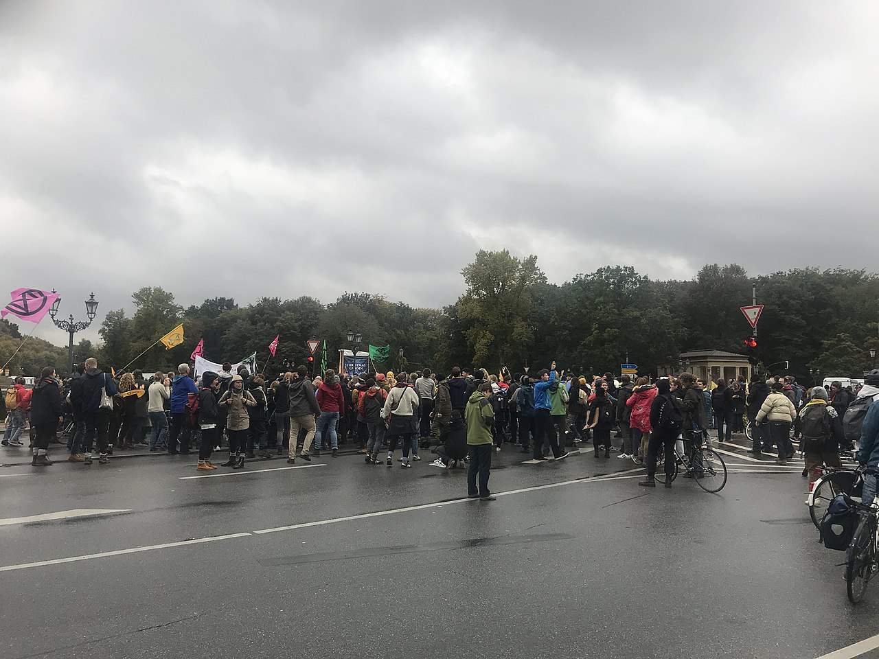 Extinction Rebellion Berlin 2019-10-08 Stern blockade 4.jpg