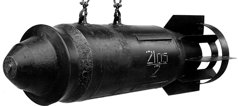 250 kg bomb - foto Wikipedia - sources - https://naveodtechdiv.navsea.navy.mil