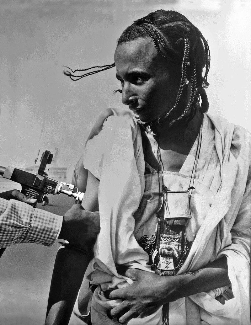 Fighting smallpox in Niger, 1969.jpg