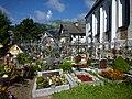 Fiss - Friedhof mit schmiedeeisernen Kreuzen.jpg