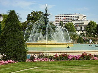 The fountain in Jardin du Mail, built for the 1900 Exposition Universelle in Paris Fontaine du Mail zoomed - Angers - 20080803.JPG