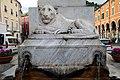 Fontana del Leone (Carrara) 01.jpg