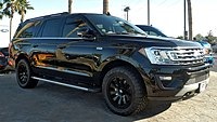 Ford Expedition MAX P4220635.jpg