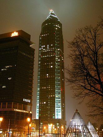 Messeturm - Image: Frankfurt am Main Messeturm bei Nacht