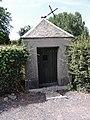 Frasnoy (Nord, Fr) chapelle route de Gommegnies.JPG
