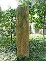 Friedhof Sissach, Grabskulptur, Ikarus, 1944, für Ernst Bader-Sutter (1881-1942) Politiker. Von Jakob Probst (1880–1966), Bildhauer.jpg